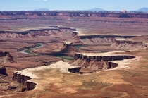 The sinuous Green River embedded below the White Rim Canyonlands NP