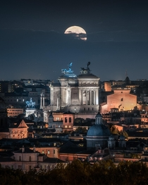 The Supermoon rising over Rome
