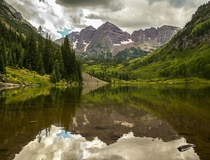The symmetric and picturesque Maroon Bells Aspen CO