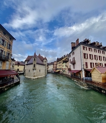 the tucked away city of Annecy in southeastern France