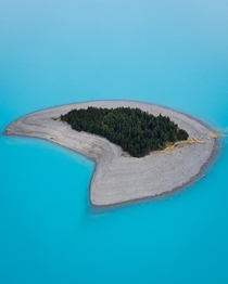 The water of Lake Pukaki in New Zealand is truly unimaginable I have never seen anything like them and I am counting down the days until I can go back