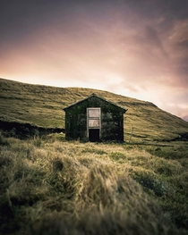 This abandoned little hut in the Faroe Islands
