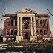 This abandoned schoolhouse looks creepy as hell