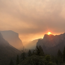 This morning at tunnel view in Yosemite Beauty due to the tragic Creek Fire May all souls trapped make it out ok