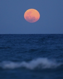 Tonights Worm Moon rising over the Atlantic