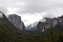 Tunnel View of Yosemite during the snowfall in late May You never see the same view twice