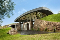 Two houses in Luque Paraguay by Bauen Architects