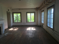 Typical living room in abandoned apartment building Broadwin in Columbus OH