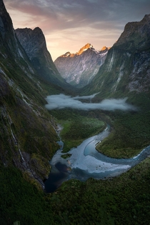 Valley of secrets Fiordland New Zealand OC x