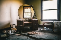 Vanity in a house abandoned recently Instagram - tntcustomphotography