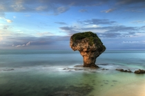 Vase Rock Liouciou Taiwan Photo by Moli Lin xpost from rSeaPorn