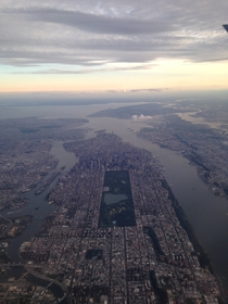 View of NYC from the plane x
