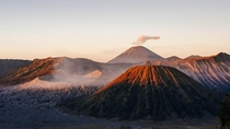 View of the volcanoes Bromo Batok and Semeru at sunrise - Indonesia  hermansjoris