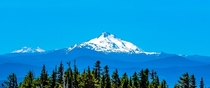 Views of Mt Jefferson amp Mt Bachelor from Timberline Lodge Mt Hood OR  IG adhithyar