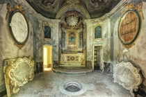 Villa Cripta - an abandoned Villa with a family crypt in Italy