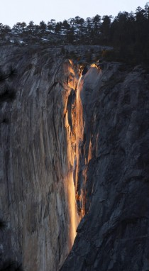 Visited Yosemite this weekend and photographed the natural firefall - Horsetail Falls