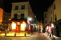 Walking the beautiful back streets of Montmarte France at night