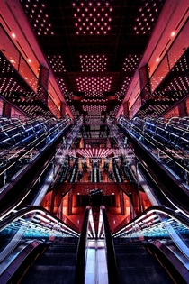 Warp Core - Futuristic architecture and lighting in the Yurakucho Center Building Tokyo  photo by Azul Obscura x-post rJapanPics