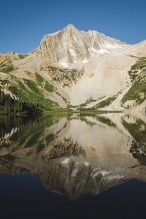Was lucky enough to hike the Four Pass Loop this is Snowmass Lake Truly an unreal spot