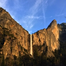 Waterfalls of Yosemite National ParkOCx