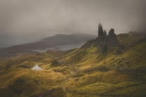 We see these magnificent shots of The Old Man of Storr in a gorgeous sunrise I went and had a look what it looks like on a typical dark gloomy day on the Isle of Skye Wasnt disappointed