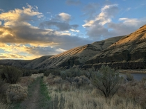 While Oregons stunning coast and abundant waterfalls get all the attention its Eastern region also has some beautiful moments Cottonwood Canyon OR