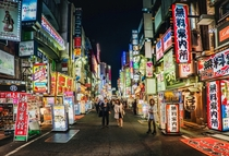 Wonder what the seedy part of Tokyo looks like at night Like this awesome and quite safe