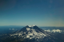Wonderful photo of the underrated Mt Rainier in Washington