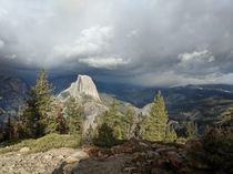 Yosemite Over-viewing Half Dome