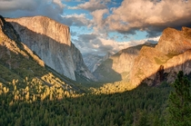 Yosemite Valley from Tunnel View at Sunset