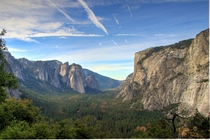 Yosemite Valley on a sunny autumn day