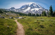 You know you wanna hike this Spray Park Mount Rainier